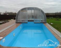 Высокий павильон для бассейна