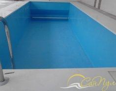 Монтаж жалюзийного покрытия в бассейне с подводным сматывающим механизмом