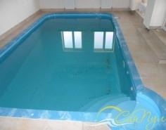 Угловой римский вход в бассейн